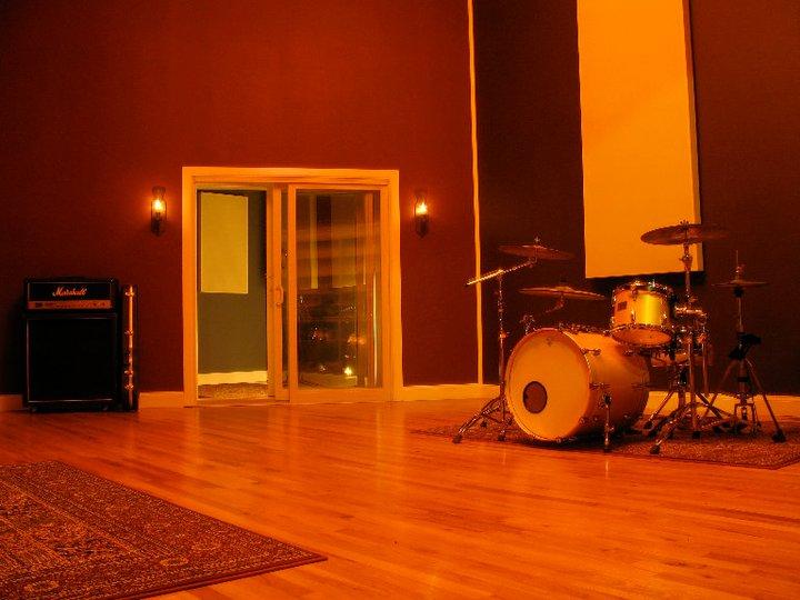 Retro City Live Room 2